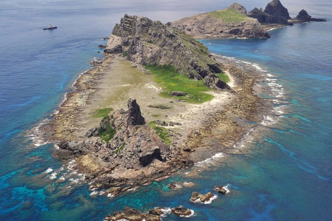Typically-sized island in the Diaoyu/Senkaku chain